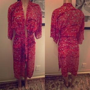 NATORI floral robe with high slits